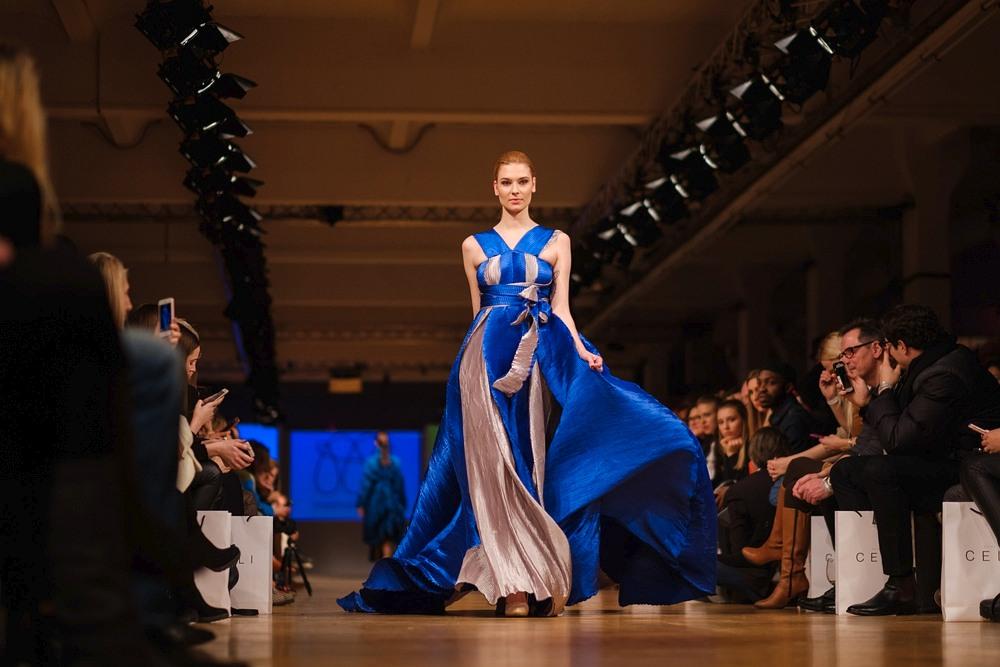 Ewa Niespodziana na wybiegu podczas Berlin Fashion Week