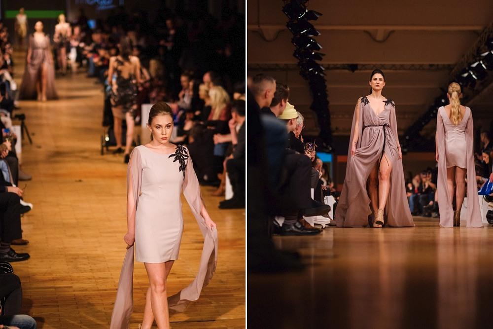 modelki w sukniach MO.YA Fashion na wybiegu w Berlin Fashion Week