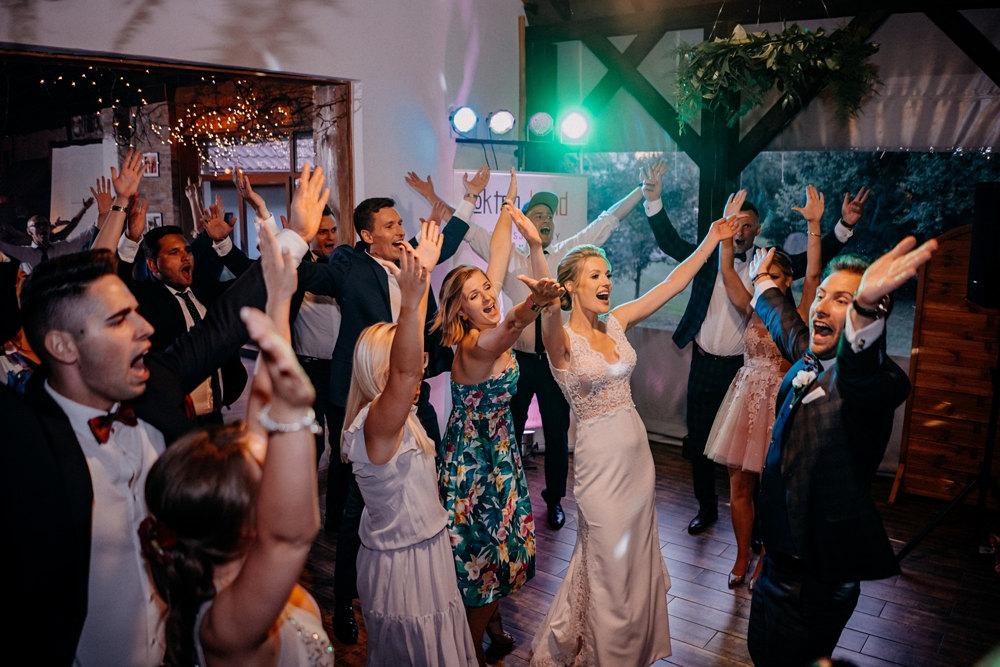 ymca podczas wesela