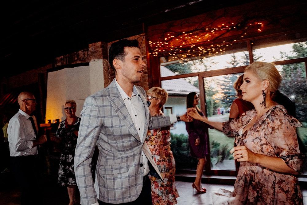 taniec gości weselnych