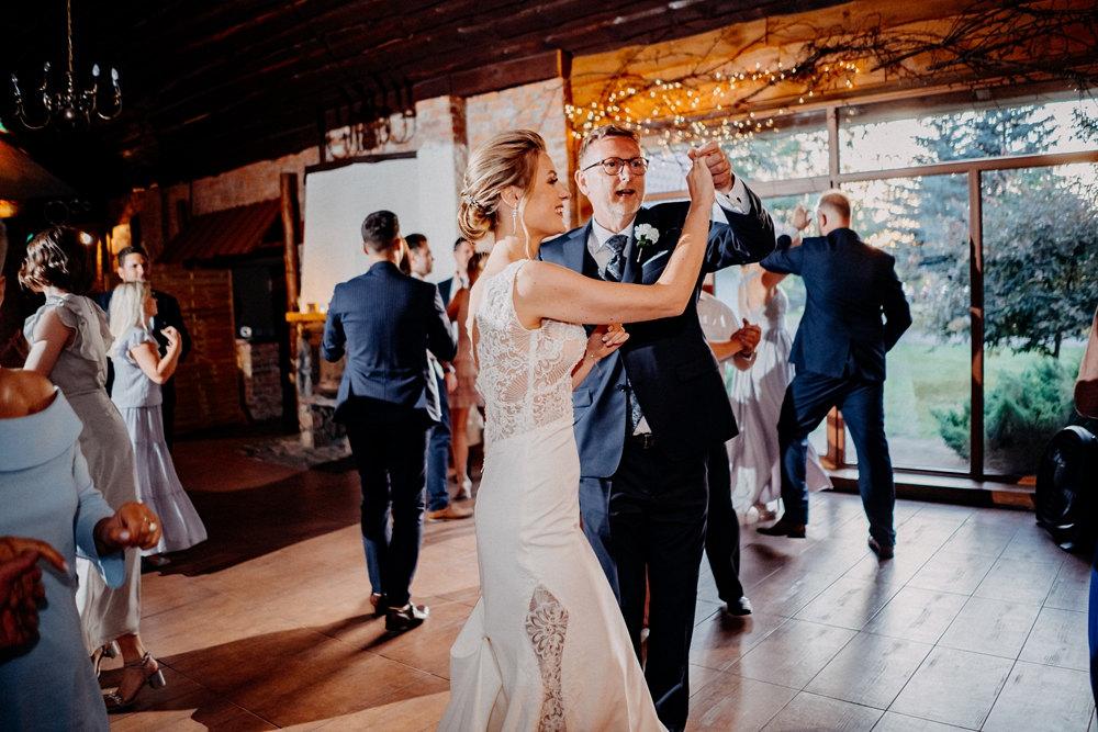 taniec pann młodem z ojcem